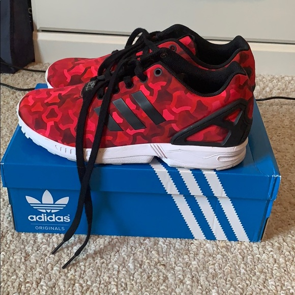 best sneakers d7dfa 667ac Red and black adidas torsion